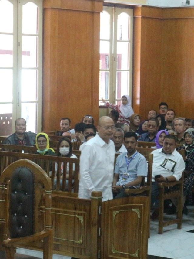 Walkot Medan Dzulmi Eldin Didakwa Terima Suap Rp 2,1 Miliar (94506)