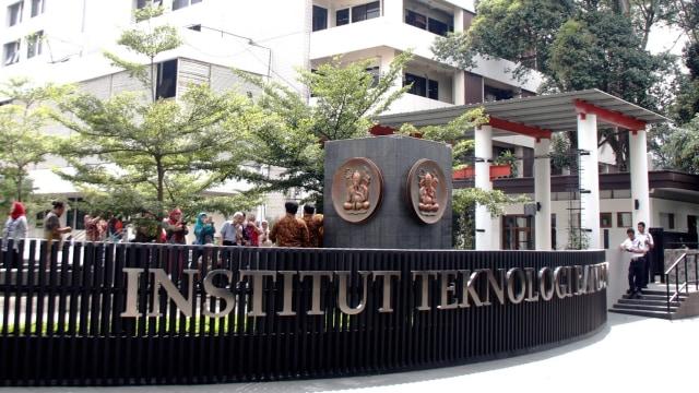 Profil Jumhur Hidayat: Eks Timses Jokowi, Kini Masuk KAMI dan Ditangkap Polisi (1002)