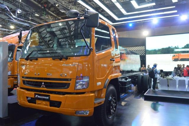 Colt Diesel Absolut, Fuso Fighter Kejar Pasar MDT Lawan Hino Ranger (255754)