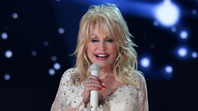 Tetap Seksi di Usia 75, Dolly Parton Reka Ulang Tampilannya pada Majalah Playboy (275299)