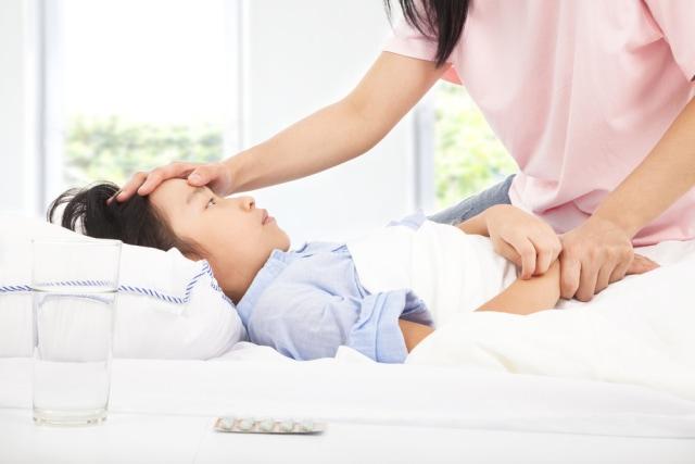 Penyebab Si Kecil Demam, Seperti yang Dialami Anak Nycta Gina (516553)