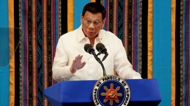 Duterte: Seluruh Warga Filipina Harus Disuntik Vaksin Corona (78088)