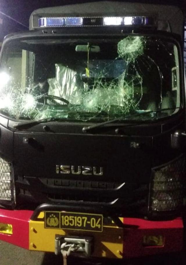PTR-Mobil Brimob dirusak di Pasuruan