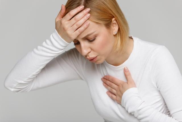 5 Efek Kesehatan dari Terlalu Banyak Mengonsumsi Kayu Manis (87065)