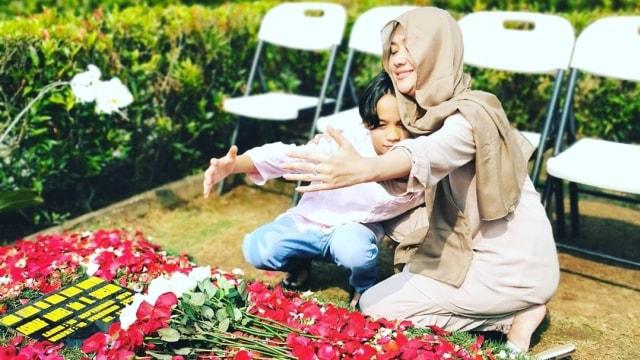 5 Selebriti yang Jalani Ramadhan Tanpa Pasangan (316515)