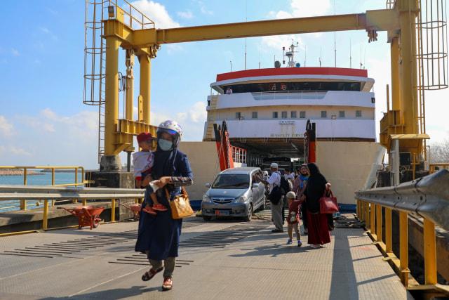 Wisata Ke Pelabuhan Ulee Lheue