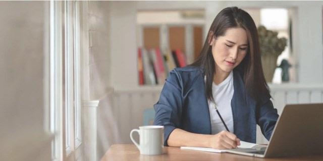 4 Tips Bekerja Nyaman di Rumah  (87018)