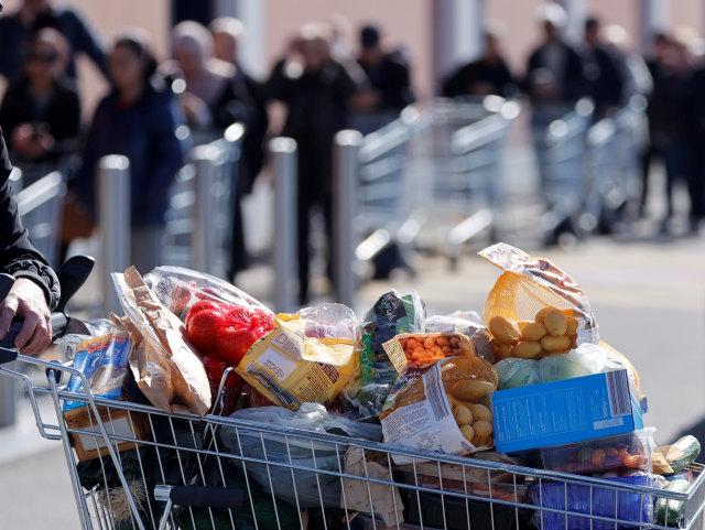 5 Kebiasaan Belanja di Supermarket Ini Bisa Bikin Pengunjung Lain Jengkel Lho! (63030)