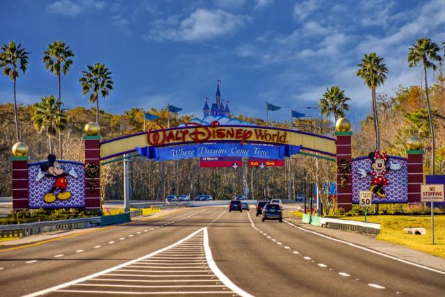 Disneyland California Buka Lagi 1 April, Jumlah Pengunjung Dibatasi (258641)