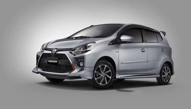 Murah Mana, Sewa Toyota Agya dari Kinto atau Beli Secara Kredit? (72837)