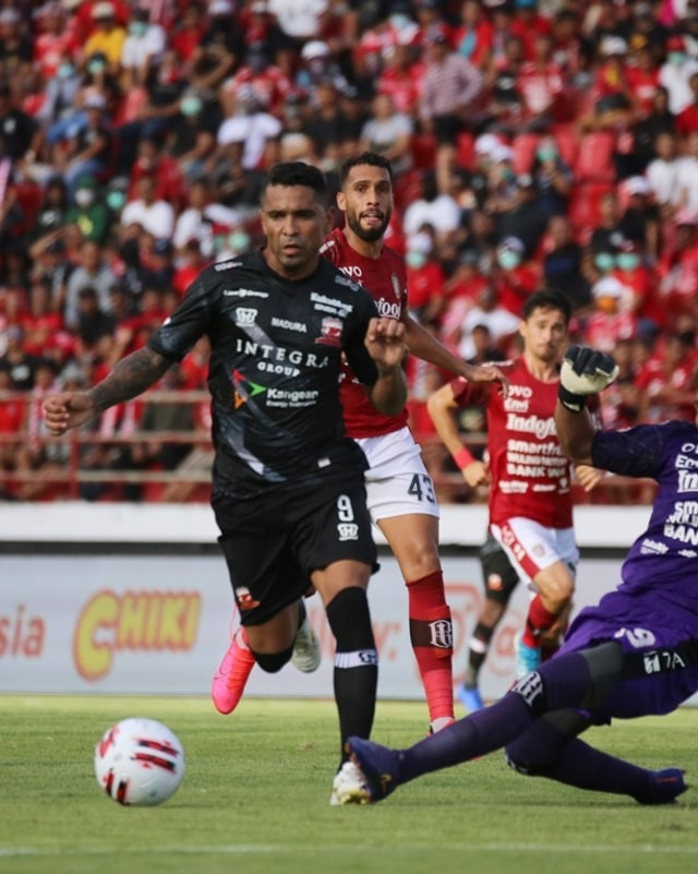 Madura United Tetap Tolak Kompetisi Liga 1 2020 Dilanjutkan (872790)
