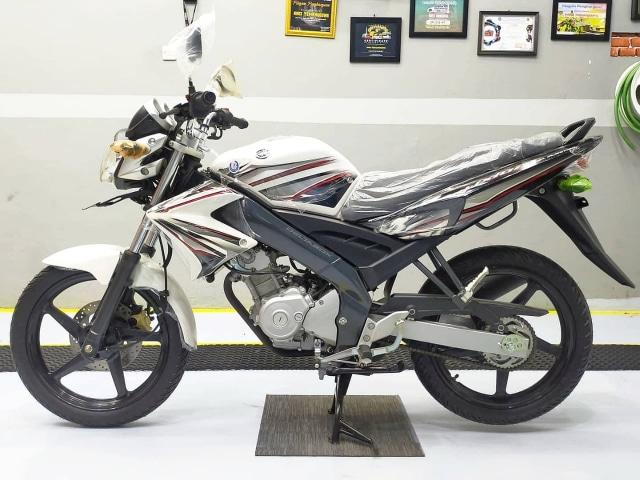 Yamaha V-Ixion 2012 NOS