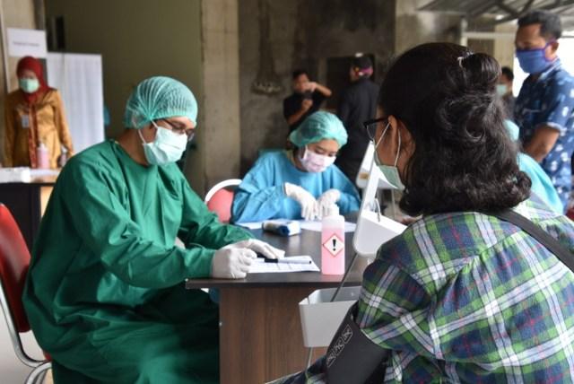 Pemeriksaan tes corona di Semarang, Jawa Tengah