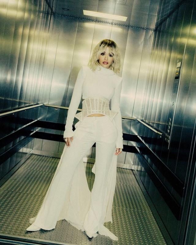 Lirik Lagu Rita Ora - How To Be Lonely (7833)