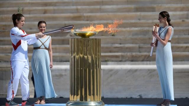Api Olimpiade Dinyalakan