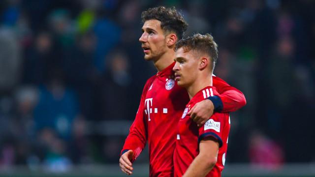 """Menaruh Label """"Terbaik Dunia"""" pada Poros Ganda Bayern Muenchen, Kimmich-Thiago (82505)"""