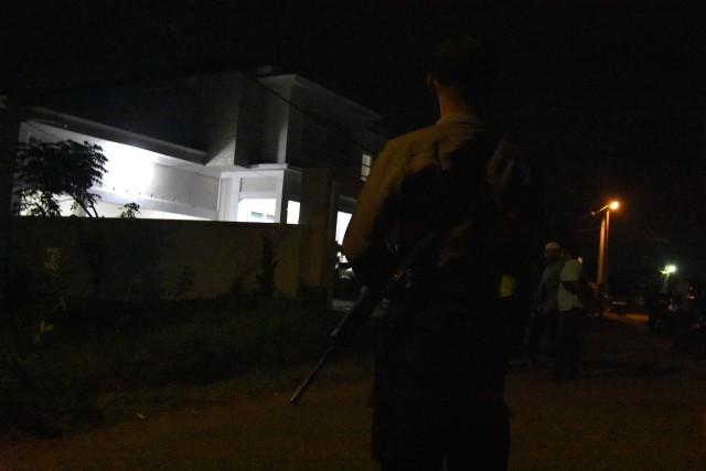 Foto: Olah TKP di Rumah Ketua ULP Aceh yang Dilempar Granat (15607)
