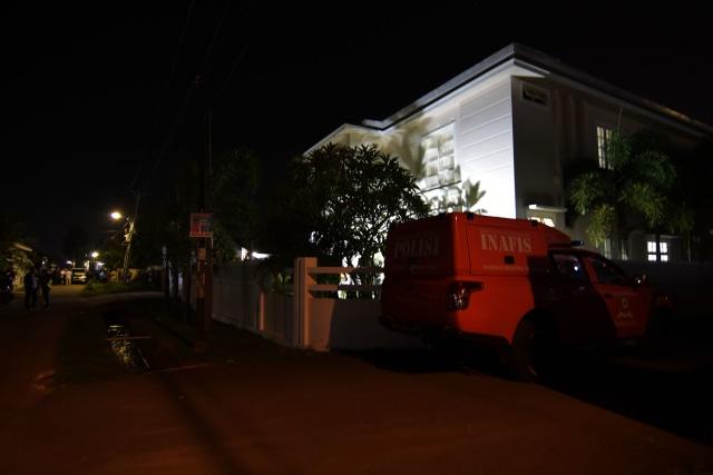 Foto: Olah TKP di Rumah Ketua ULP Aceh yang Dilempar Granat (15608)
