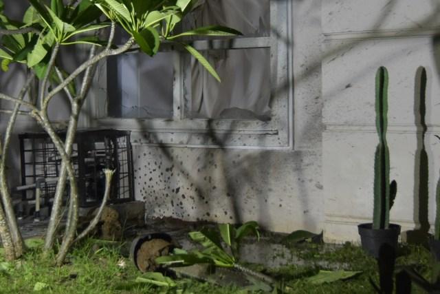 Foto: Olah TKP di Rumah Ketua ULP Aceh yang Dilempar Granat (15605)