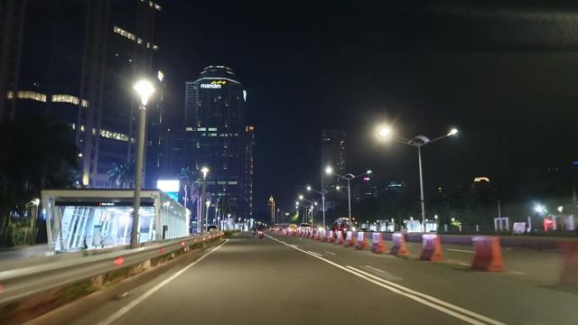 Foto Beda Dari Hari Biasanya Jakarta Lengang Di Malam Hari Kumparan Com