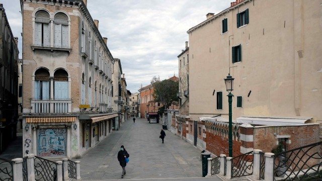 Virus corona Italia - aktivitas warga