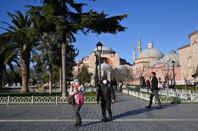 Kendalikan Penyebaran Corona, Turki Berlakukan Jam Malam (112196)