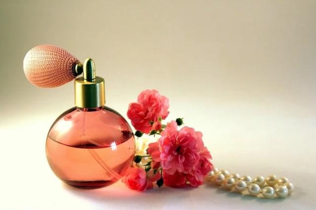 3 Aroma Parfum yang Cocok untuk Kencan Pertama (97832)