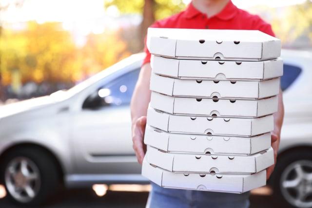 5 Tips Tetap Aman Memesan Delivery Makanan saat Social Distancing di Rumah Aja (334059)