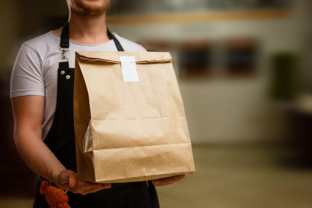 5 Tips Tetap Aman Memesan Delivery Makanan saat Social Distancing di Rumah Aja (334056)