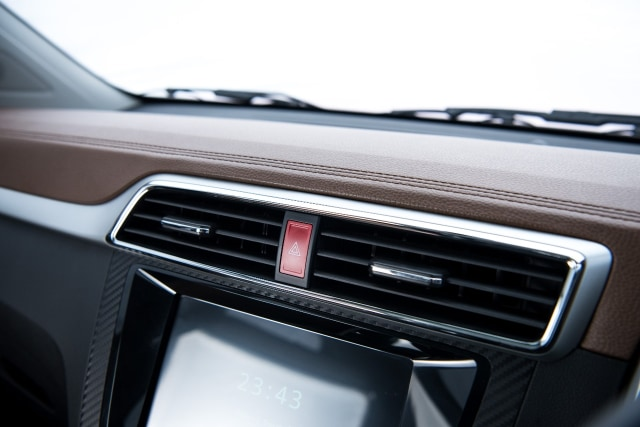Berita Populer: Penyebab AC Mobil Bunyi, Mobil Baru Nissan Navara Facelift (112074)
