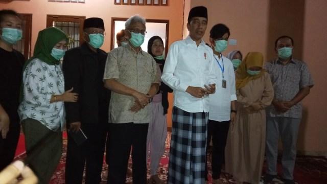 Jokowi Bicara Penyebab Meninggalnya Ibunda: Sudah 4 Tahun Sakit Kanker (58714)
