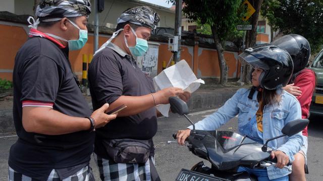 Melihat Kearifan Lokal yang Diklaim Koster Turunkan Penularan Corona di Bali (38740)