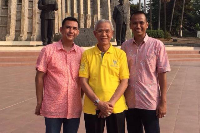 Kisah Sukses Pendiri RM Padang Sederhana Meski Hanya Lulusan SD (39793)
