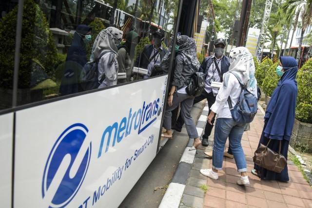 PSBB Jakarta Diperpanjang, Waktu Operasional TransJakarta Tak Berubah (49509)