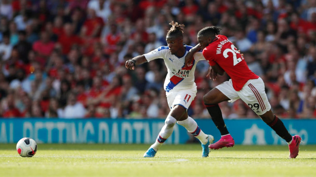 Wilfried Zaha Kagumi Bek Manchester United, Aaron Wan-Bissaka (473709)