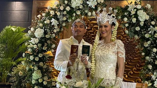 Bek Persija, Alfath Fathier menikah