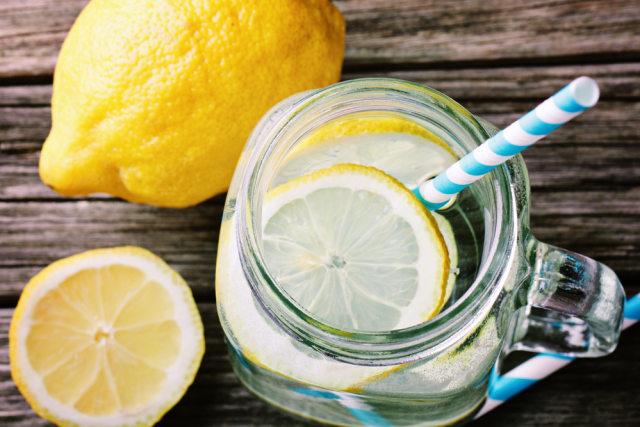 Kata Ahli, Rutin Minum Air Lemon Bisa Stabilkan Berat Badan sampai Cegah Kanker (332951)