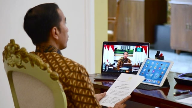 4 Kejanggalan PSBB yang Diumumkan Jokowi (89020)