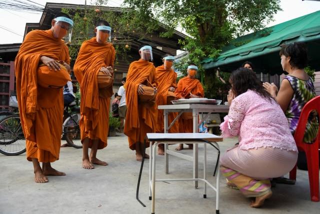 Thai Airways Tawarkan Penerbangan Religi: Terbang Sambil Baca Doa Umat Buddha (580310)