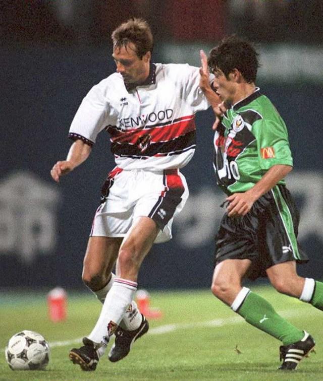 Think Globally, Act Locally:  Mengapa Nama Klub-Klub J-League Bisa Keren Banget? (5901)