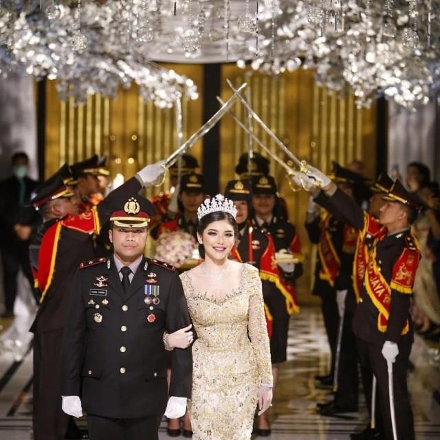 Selebgram Rica Andriani Menikah saat Marak Corona, Suami Dicopot dari Jabatan (109912)