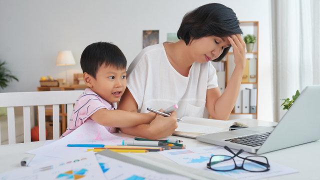 Mengenal Parental Burnout, Kondisi Orang Tua yang Jenuh Mengasuh Anak (502553)