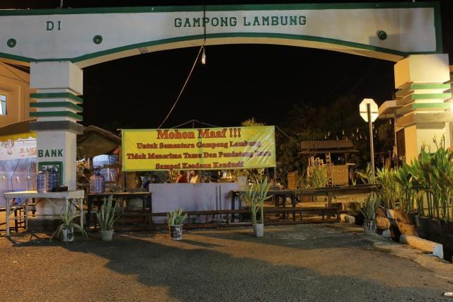 Liputan Jam Malam Di Aceh Cegah Corona Jalan Kampung Pun Ditutup Portal 3 Kumparan Com