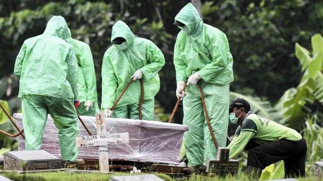 Pakar Mikrobiologi UGM: Virus Corona Tak Bisa Menembus Plastik Jenazah (49955)