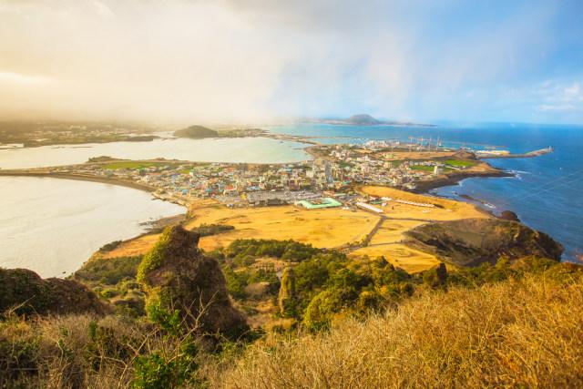 Ibu dan Anak Digugat Rp 1,7 M karena Liburan ke Pulau Jeju Saat Pandemi Corona (311335)