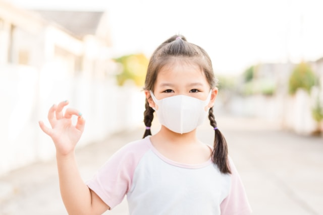 7 Tips agar Anak Mau Pakai Masker (66041)