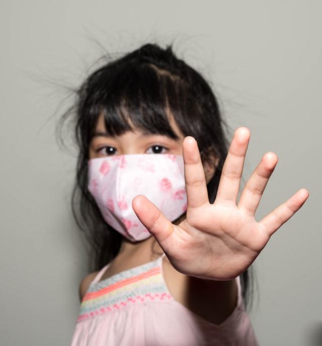 7 Tips agar Anak Mau Pakai Masker (66040)