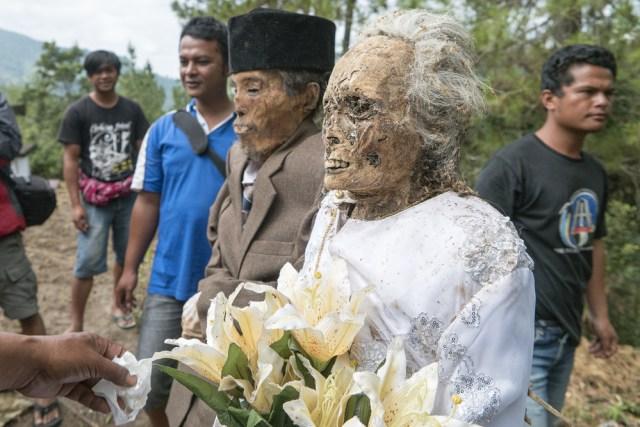 Mengenal Ma'Nene, Ritual Mengganti Pakaian Mayat di Toraja, Sulawesi Selatan (596490)