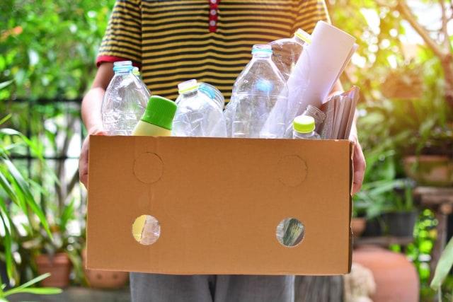 Kurangi Sampah Plastik, Guru Besar IPB Ajak Masyarakat Pakai Galon Isi Ulang (880170)