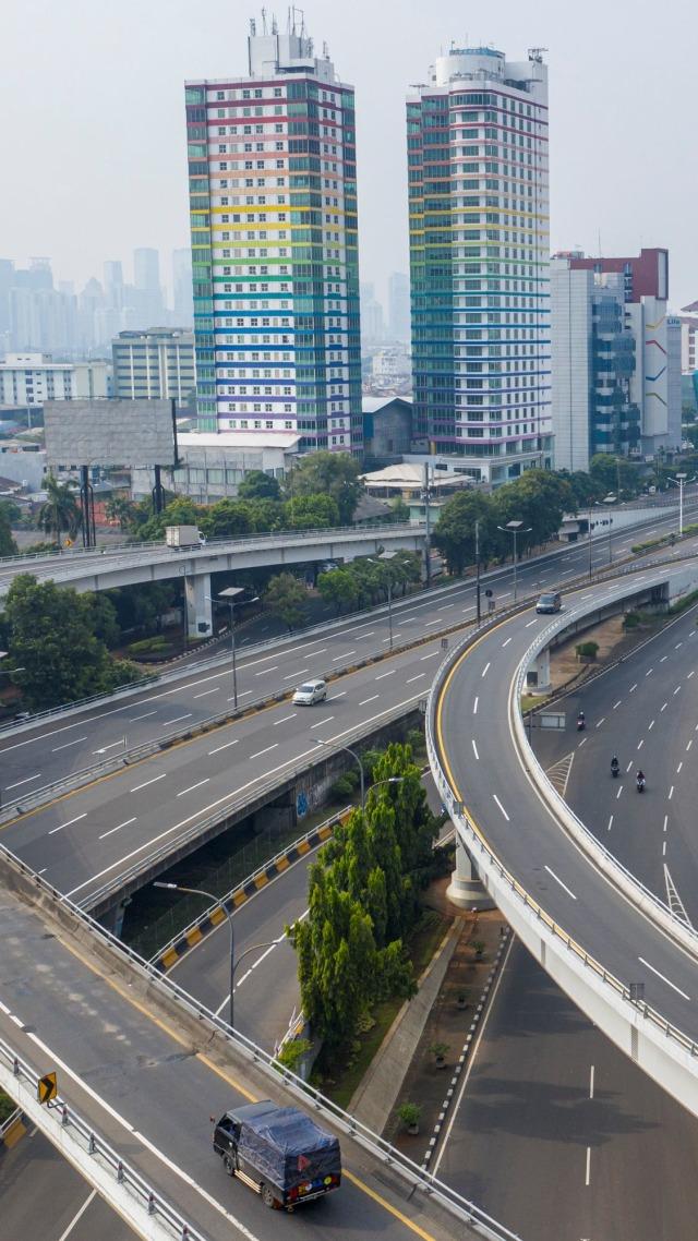 Kilas Balik Kebijakan Pemerintah Pusat soal WFH di Jakarta yang Berubah-ubah (408172)